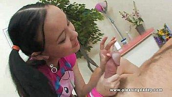 Девочка из россии мастурбирует на веб камеру