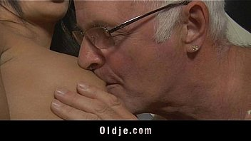 Саня корвус ловит оргазм от сногсшибательного траха с обеспеченой милфой николь энистон