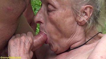 Жадная до пенисов телочка встречает следующего любовника