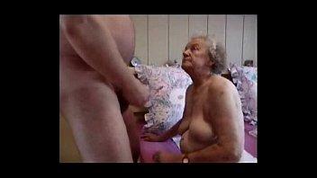 Сестричка решилась совершить порно инцест, чтобы необычайно обрадовать брата