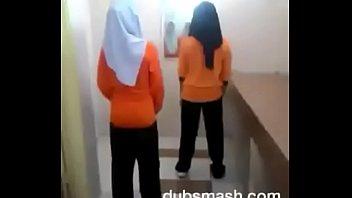 Молодые девицы на порно пробах скинули белье, чтобы показать небольшие титьки