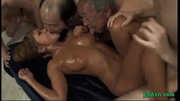 Секс оргия с миленькими молодыми тайками